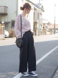 しまむら くすみピンク刺繍ゆるニット ¥1900 size:L GU ワイドジョガーパンツ ¥199