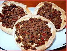 """Η Συνταγή είναι της κ.Eleni Tsoutsoudaki-Bassalou -""""ΟΙ ΧΡΥΣΟΧΕΡΕΣ / ΗΔΕΣ"""".    ΥΛΙΚΑ    1 κρεμμύδι μεγάλο , ψιλοκομμένο  ελαιόλαδο  300 γρ. κιμάς μοσχαρίσιος  1 κουταλιά σούπας κύμινο  2 μεγαλες ντοματες καθαρισμένες, ψιλοκομμένες, μόνο την σάρκα  Αλάτι και πιπέρι  2 φρέσκα κρεμμυδάκια, ψιλοκομμένα  2 κουταλιές σούπας δυόσμο, Meatloaf, Lamb, Recipies, Food And Drink, Pizza, Beef, Cooking, Gardening, Recipes"""