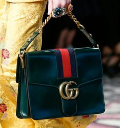 Gucci Gets Detailed for Its Spring 2016 Runway Bags Gucci Purses, Gucci Handbags, Gucci Bags, Designer Handbags, Designer Bags, Fashion Bags, Runway Fashion, Spring Fashion, Women's Fashion