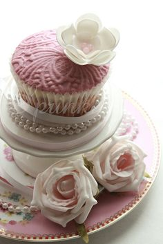 More Cream...Pink...Pearls...EDIBLE Roses...