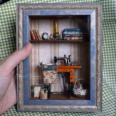 A Miniature World Of Olga Mutina: Feel Like A True Gulliver Vitrine Miniature, Miniature Rooms, Miniature Crafts, Miniature Furniture, Shadow Box Kunst, Shadow Box Art, Shadow Frame, Halloween Diorama, Mini Doll House