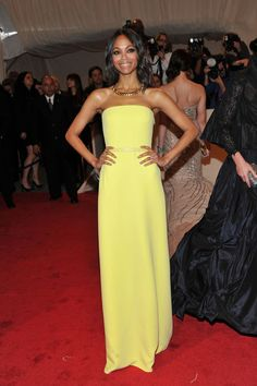 "Zoe Saldana Photos: ""Alexander McQueen: Savage Beauty"" Costume Institute Gala At The Metropolitan Museum Of Art - Arrivals"