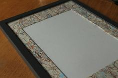 Upcycling: Decorating passe-partout with old map