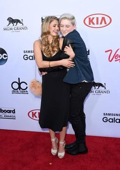 Lia Marie Johnson and Trevor Moran - Billboard Music Awards 2015 - Pictures - CBS News