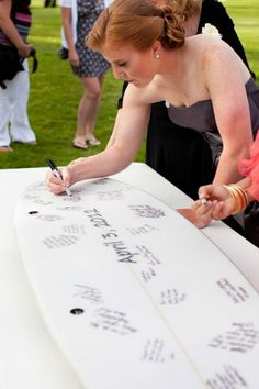 """We love this surfboard wedding """"guest book"""""""