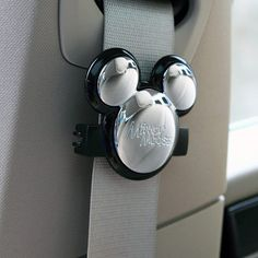 Mickey Mouse Car Seatbelt Decoration for when I get a car Mickey Mouse Car, Disney Micky Maus, Mickey Minnie Mouse, Disney Cars, Disney Fun, Walt Disney, Disney Stuff, Disney Magic, Disney Car Accessories