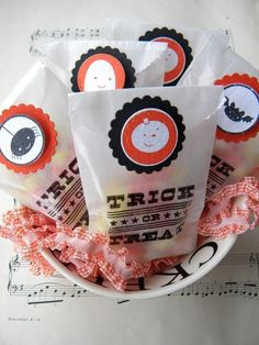 Halloween Glassine Bags w/ Stickers  set of by LittlePumpkinPapers, $10.00