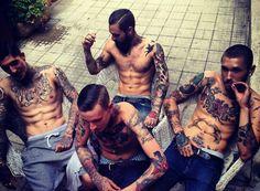 今年一定要認識的時尚街頭壞男孩!大鬍子刺青模特兒 Ricki Hall - JUKSY 線上流行雜誌