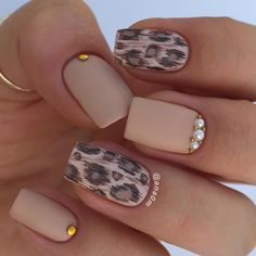 18 Trending Summer Nail Designs Unhas pintadas com leopardo – Design Cougar - Design de unhas ! Nail Gloss, Matte Nails, My Nails, Acrylic Nails, Nice Nails, Classy Nails, Gel Nail, Coffin Nails, Ongles Beiges