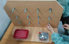 Actividades de motricidad fina para ratones. Realizado por los padres del centro.