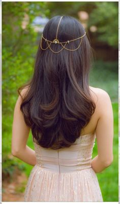 Nice simple hair for brides #HairstylesForWomenIndian
