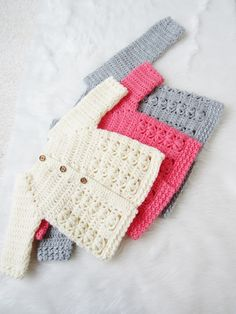 Crochet Baby Girl Textured Crochet Baby Sweater Pattern - Crochet Dreamz - This crochet baby sweater includes 6 sizes from baby to Toddler. The pattern has an easy to work Raglan shaping and a textured body with floral stitches. Crochet Baby Sweater Pattern, Crochet Baby Blanket Beginner, Crochet Baby Sweaters, Baby Sweater Patterns, Crochet Baby Clothes, Baby Knitting Patterns, Baby Patterns, Crochet Patterns, Crochet Ideas