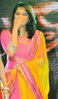 Anushka shetty, anushka latest images, Pictures, anushka shetty smile, anushka shetty gallery, anushka shetty photo stills.