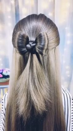 CUTE HAIR BOW TUTORIAL Hair bows are the cutest hairstyles ever 😍😍😍Quiksilver men& long-sleeved shirt, cotton, black simple hairstyles for long h. Easy Hairstyles For Long Hair, Cute Hairstyles, Braided Hairstyles, Korean Hairstyles, Hairstyles Videos, Simple Hairstyle Video, Hairstyles For Swimming, Hairstyles For Women, Hairstyles For Medium Length Hair Tutorial