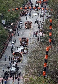 Confetti rains down on the San Francisco Giants during the World Series victory parade on Market Street in San Francisco, Calif. on Wednesday, Oct. 31, 2012. Photo: Paul Chinn, The Chronicle / SF