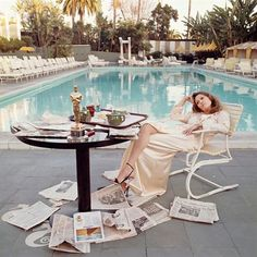 Faye Dunaway post-Oscars, by Terry O'Neill, 1977 (via Rookie Mag) (so glam I could die)