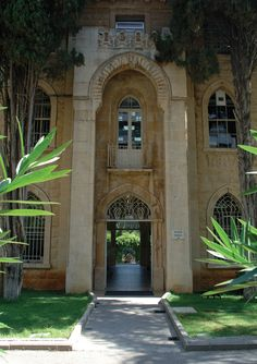 My beautiful Uni ooo how I miss it  Lebanese American University -Sage Hall Entrance