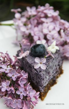 Blueberry and Chia Seed Cake 5 Every single ingredient in this cake is a super food! from @cookingtoddlers