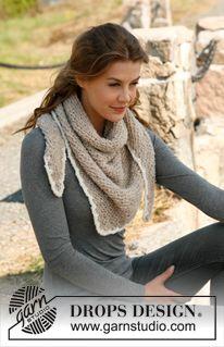 "Knitted DROPS triangle shawl in garter st in ""Alpaca Bouclé"". ~ DROPS Design free"