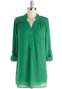 Pam Breeze-ly Tunic in Green | Mod Retro Vintage Short Sleeve Shirts | ModCloth.com ***Love the color and the style