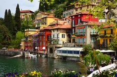 welcometoitalia:  Varenna is a comune on Lake Como in the Province of Lecco, Lombardia, about 60km north of Milano. Itwas founded by fishe...