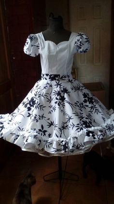 Dance Outfits, Dance Dresses, Proper Attire, Dresses Kids Girl, Beautiful Dresses, Vintage Outfits, Square Dance, Womens Fashion, Mimosas