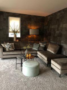 Classy Living Room, Home Living Room, Living Room Decor, Modern Home Interior Design, Interior Design Living Room, Living Room Designs, Casas The Sims 4, Cosy Room, Decoration