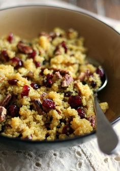 A healthy cranberry pecan quinoa salad with a lovely light honey orange dressing! A wonderful gluten free and easily vegan fall salad! Healthy Recipes, Vegetarian Recipes, Cooking Recipes, Quoina Recipes, Avocado Recipes, Lunch Recipes, Cooking Tips, Quinoa Dishes, Quinoa Rice