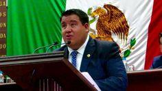 El diputado del PRD, Juan Pablo Puebla, presentó la iniciativa correspondiente, en la cual por primera vez se pretende plasmar en la norma jurídica estatal a los uniformados y que ...