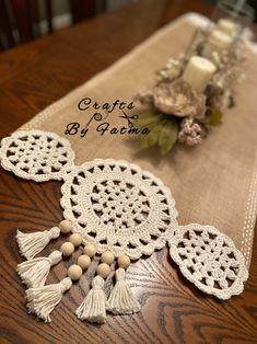 Crochet Table Runner, Table Runner Pattern, Crochet Tablecloth, Patchwork Table Runner, Crochet Ball, Hand Crochet, Crochet Beanie Pattern, Crochet Patterns, Crochet Crafts