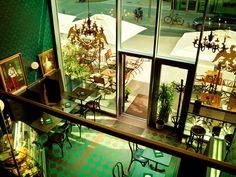 K.u.K. Kaffeehaus Am Kaiserkai 26 20457 Hamburg Tel: +49 (0)40 361 224 80  Öffnungszeiten: Montag bis Sonntag: 10:00 – 18:00 Uhr