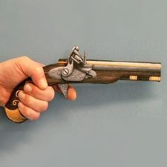 rubber band gun small Rubber Band Gun, Open Carry, Toys For Us, Plushie Patterns, Wooden Projects, Diy Projects, Got Wood, Gun Holster, New Inventions