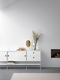 Having worked with String for many years, Swedish stylist Lotta Agaton created a complete String House for Stockholm Design Week . The ...