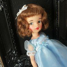 Little Dolls Room Sindy Doll, Doll Toys, Dolls Dolls, Vintage Girls, Vintage Toys, Baby Boomer Era, Selling Used Clothes, Tammy Doll, Living Dolls