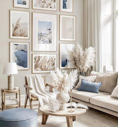 This room is really nice and has a happy feeling. I think that the mix of white, brown, and blue bring a lot of harmony to the room.