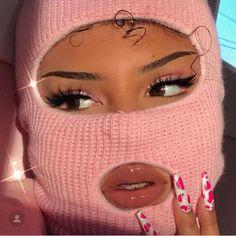 "Robbing a bank but make it pink fashion 🖕🏽🎀 ""AMBER"" lashes by (Eyes: ""Barbie"" eyeshadow quad, dc:… Girl Gang Aesthetic, Boujee Aesthetic, Badass Aesthetic, Black Girl Aesthetic, Aesthetic Makeup, Rosa Style, Fille Gangsta, Mode Rose, Thug Girl"