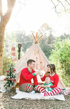 Red & Green Teepee Christmas Family Photos - Inspired By This
