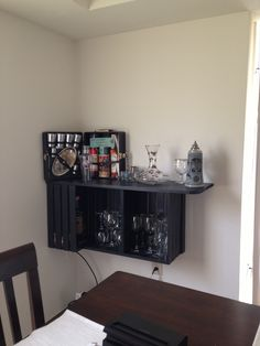 DIY Corner Bar From Wooden Crates