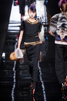 Fendi Fall 2013 Ready-to-Wear Runway - Fendi Ready-to-Wear Collection