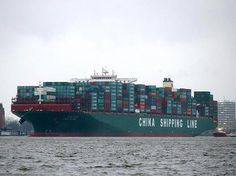 Hamburger Hafen, Schlepper, Hafenbecken, CSCL, Gigant, Containerschiff, Eurogate, Jungfernfahrt, Manöver, TEU, Hamburg, Hansestadt, Reederei, Shipping, Rotterdam, Zeebrügge, Horch, Suprastruktur, Tiefgang, Asien, Elbvertiefung, Nach Hamburg