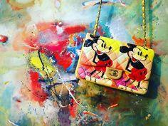 ARTBURO CHANEL #artburo #chanel #personalization #andywarhol #art #fashion #luxury #chanelcuba #handpainted #kristinaorbakaite #handbag #артбюро #кристинаорбакайте #cruise17 #alisakovtunova #алисаковтунова #дизайнер #exceptionalpieces #2016 #oneofakind #mickeymouse