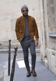 24 Suede Jacket Outfits For Stylish Men - Styleoholic Stylish Men, Men Casual, Street Style Inspiration, Stil Inspiration, Cool Bomber Jackets, Casual Jackets, Men's Jackets, Mode Man, Moda Formal