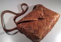 I want a birch bark crossbody :/ scouting swe eBay desperately to distract myself from the vivienne westwood black snake skin w gold chain strap bag that I will def lose and also just want to please my inner 15 y o Only birch bark shoppers up for...