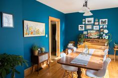 Paint colors that match this Apartment Therapy photo: SW 6258 Tricorn Black, SW 2858 Harvest Gold, SW 2803 Rookwood Terra Cotta, SW 6496 Oceanside, SW 6002 Essential Gray