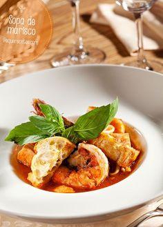 Sopa de marisco, una receta de sopa que te conquistará. La sopa de marisco es también una receta popular y muy conocida, que destaca por sus propiedades.