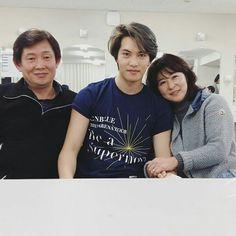 Mr & Mrs. Lee, Jong Hyun with parents