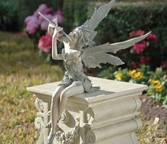 Design Toscano Fairy of the West Wind Sitting Sculpture