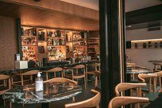 """Sócios do Caledonia, Whisky & Co apostam em novo e-commerce dedicado à bebida (Foto: divulgação)    Engana-se quem pensa que a paixão por whisky de Mauricio Porto e Guilherme Valle, sócios do Caledonia, Whisky & Co, começou a partir da inauguração do bar, em janeiro de 2020. Ambos sempre tiveram a paixão acesa pela bebida e, em 2015, decidiram unir os conhecimentos e abrir um blog, nomeado de """"C&atil"""