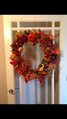 Fall wreath: Large fall leaves