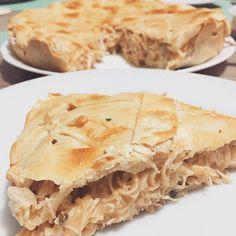 Aquela torta de frango! . . Que você merece e todo mundo pediu a receita já ta lá no blog! Tem ljnk na bio! . . . . #pin #momblogger #tortadefrango #pie #vaigordinha #comida #momshelpmoms #bIogueiramommy #filhos #kids